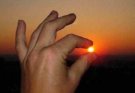 Кто сказал, что Солнце большое?