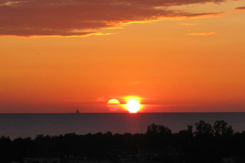 Тройной восход Солнца