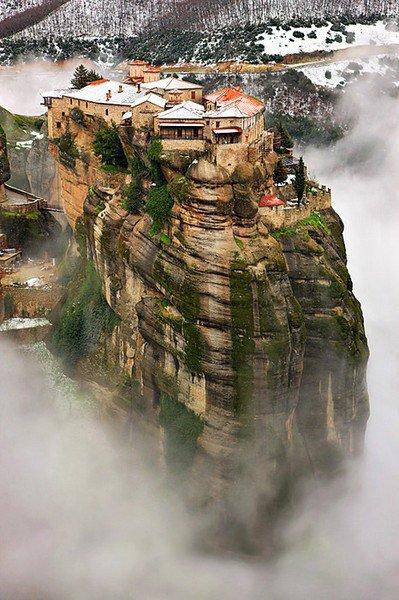 Монастыри Метеоры. Фессалия. Греция