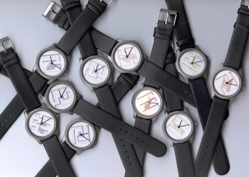 Сувениры часов с изображением невозможных фигур