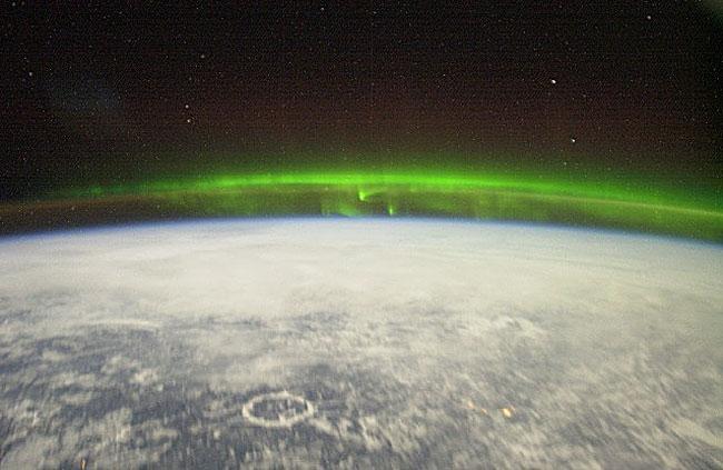 Полярное сияние, вид из космоса