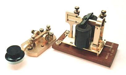 С тех пор прошло почти 170 долгих лет. Революционная по тем временам технология, позволяющая пересылать сообщения на огромные расстояния, стремительно развивалась в течение XIX века, став одним из самых популярных способов связи.