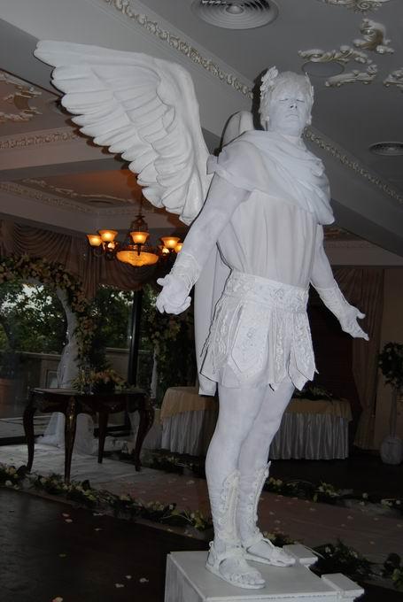 живая статуя ангела в исполнении актёра Театра живой скульптуры г.Киев