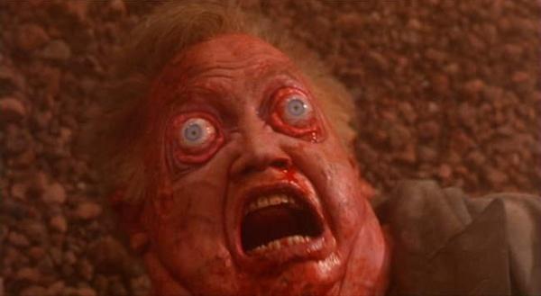 в фильме «Вспомнить всё» у попавшего в разряженную атмосферу Марса Арнольда Шварцнейгера выпучились глазки