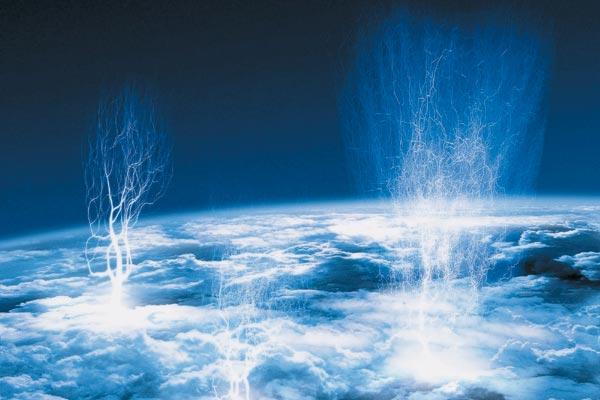 Голубые джеты — один из самых загадочных видов высотных разрядов. Они срываются с верхней кромки грозовых облаков и поднимаются вверх на 10, 20, а то и 30 километров. Фото: SPL/EAST NEWS