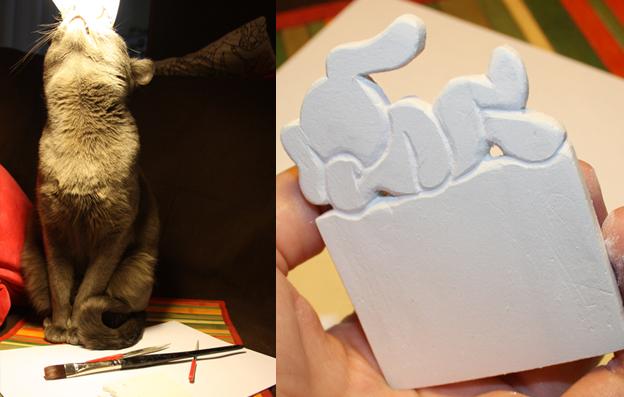 Чтобы обработать маленькие дырочки и труднодоступные места, нам понадобится согнать кота с рабочего места и вооружиться надфилями и кисточкой (для смахивания пыли с детали).
