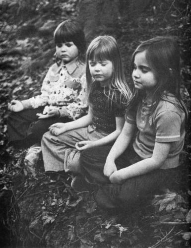 рис.1. Дэвид Линч и медитация для детей