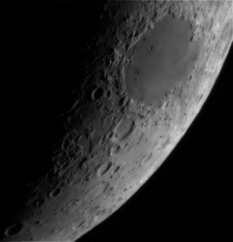 рис.2. Видно ли в телескоп американский флаг на Луне, Марс и кольца Сатурна?