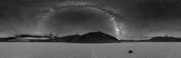 Панорама Млечного Пути, сделанная в Долине Смерти, США, 2005 год.