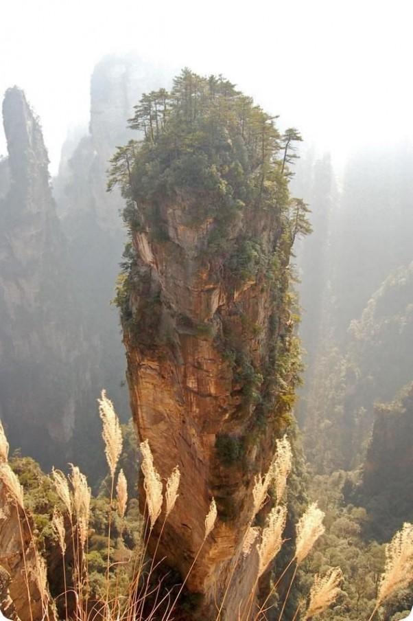 рис.6. Стеклянная тропа страха на горе Тяньмень в Китае