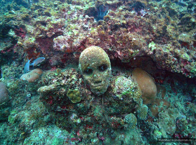 рис.2. Подводный музей в Мексике