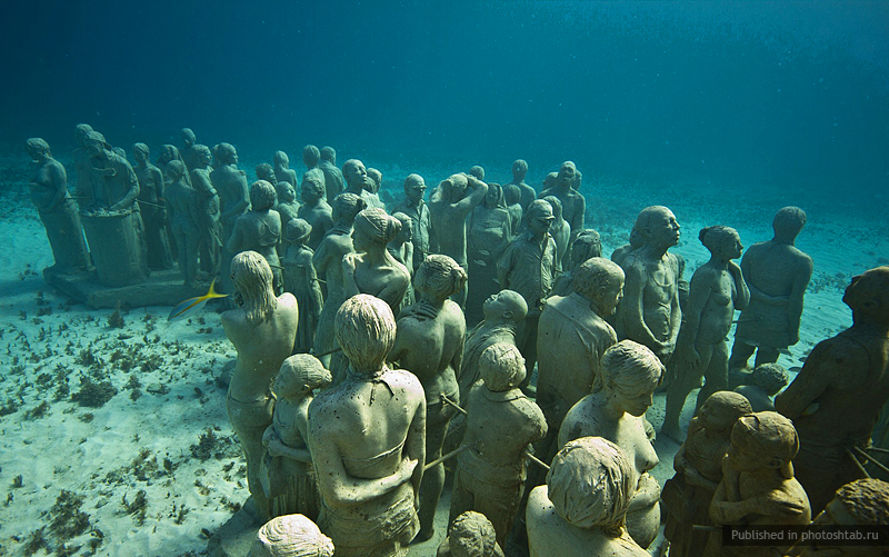рис.3. Подводный музей в Мексике