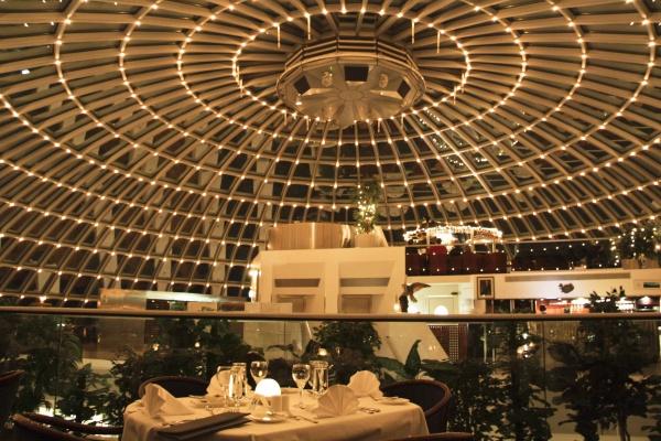 рис.6. Очень необычные отели и рестораны