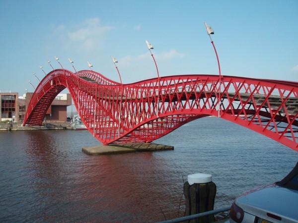 рис.3. Самые необычные и удивительные мосты мира