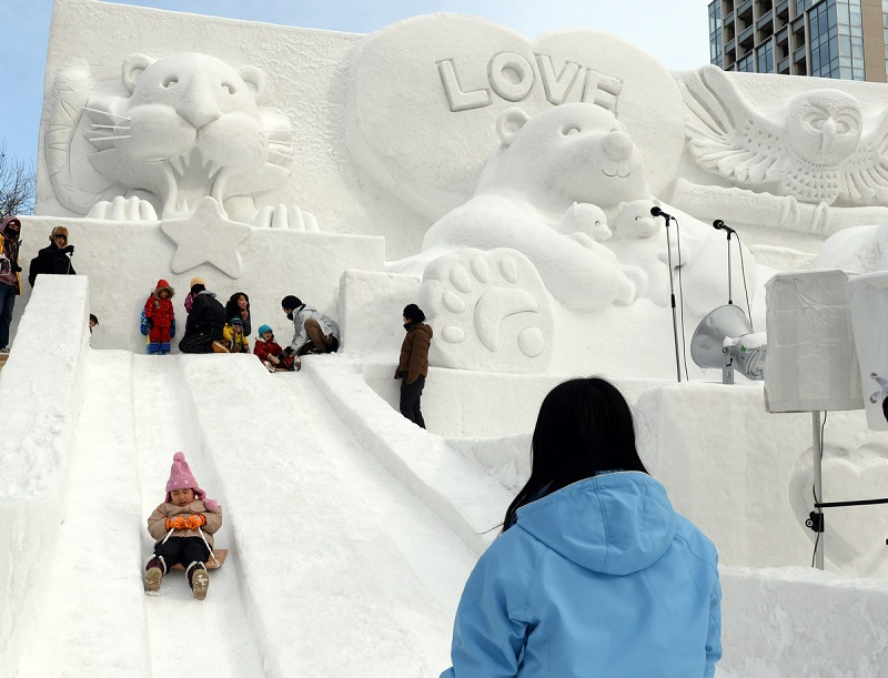 рис.9. Снежный фестиваль в Саппоро в Японии