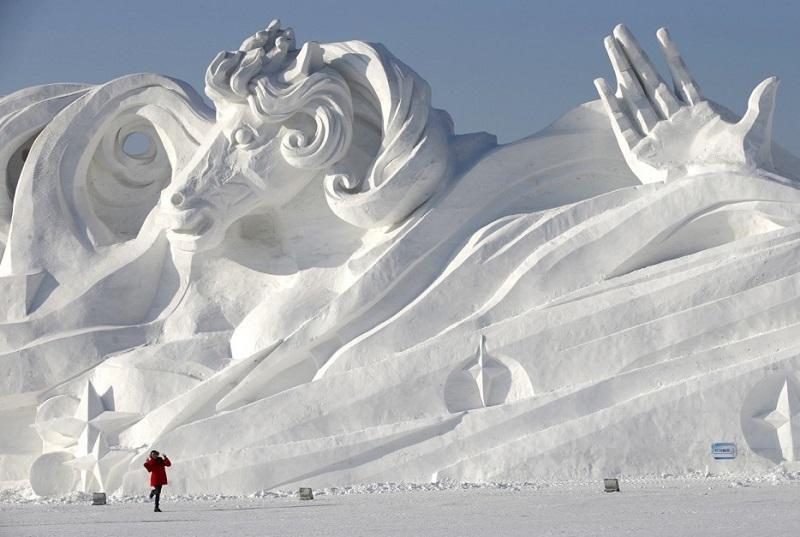 рис.5. Снежный фестиваль в Саппоро в Японии