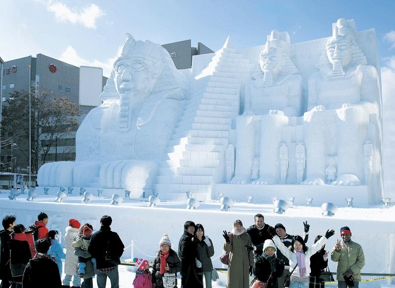 рис.27. Снежный фестиваль в Саппоро в Японии