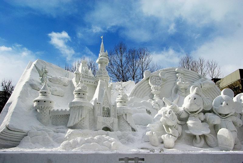 рис.4. Снежный фестиваль в Саппоро в Японии