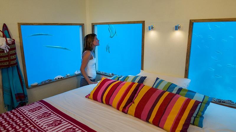 Необычный отель с подводным номером Манта Резорт
