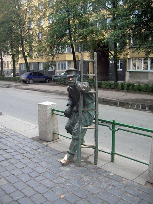 Необычные памятники России: Рис.10