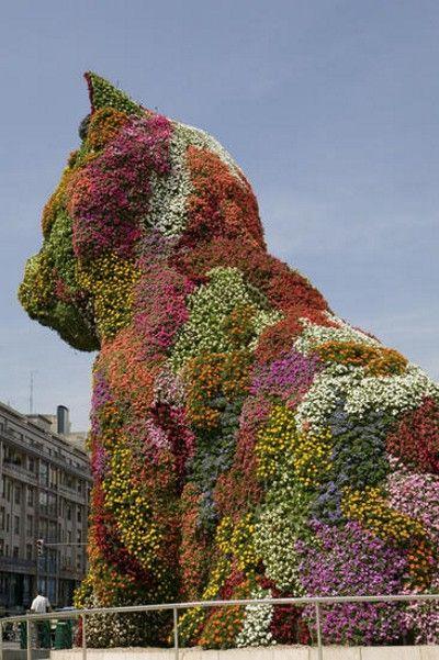 Скульптуры и фигуры из цветов: Рис.4