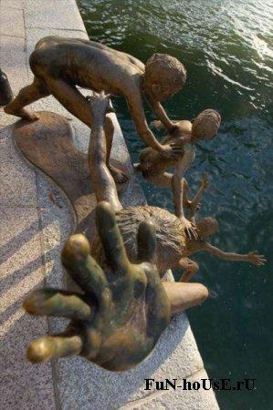 Необычные памятники мира: Рис.14