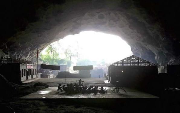 Деревня в пещере: Рис.1